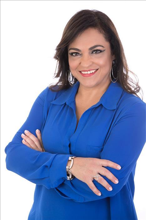 Nadia De La O