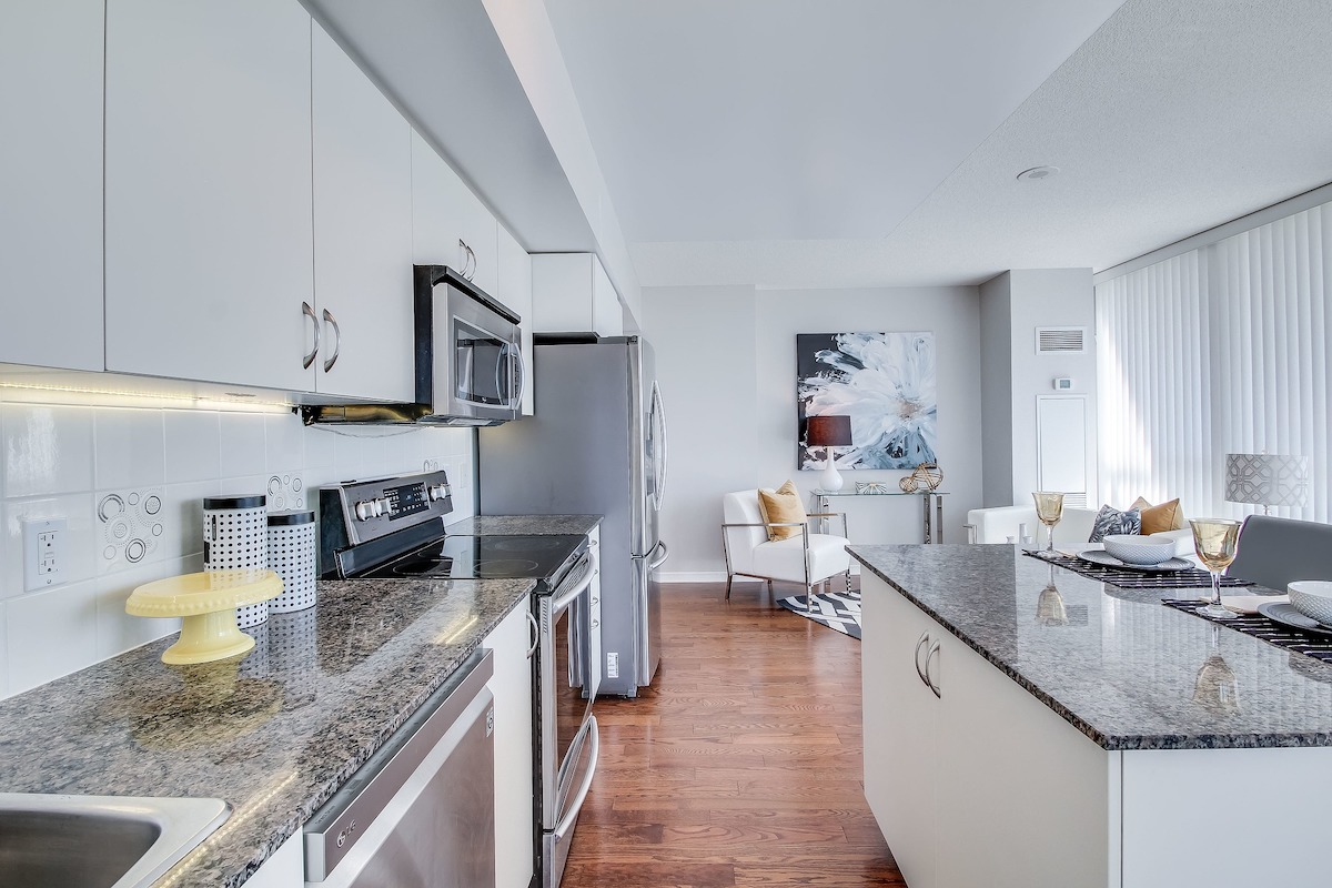 One bedroom Toronto condo listed for six hundred and seventy million dollars