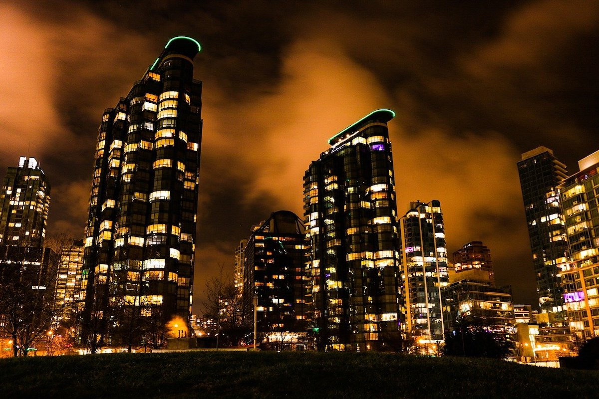 Canada Economy Hits A New Record For Dependency On Real Estate Investment