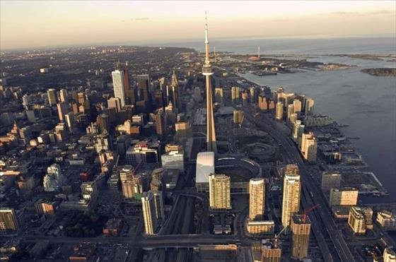 Toronto developers pulling out of pre-sold condo projects
