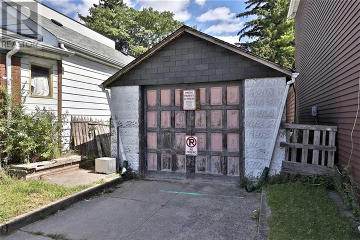 This Toronto garage actually costs almost 600 thousand dollars