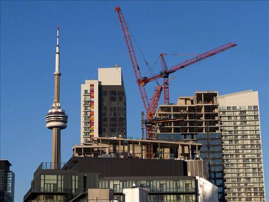Condo construction starts hit new record in Toronto