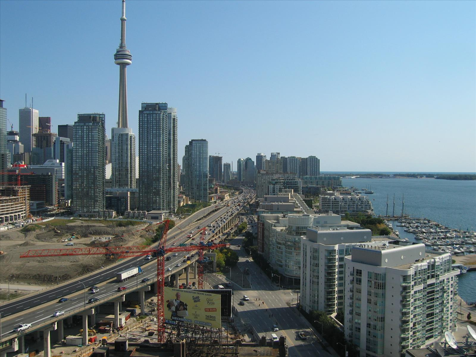 What's the difference between a condo and a co-op?